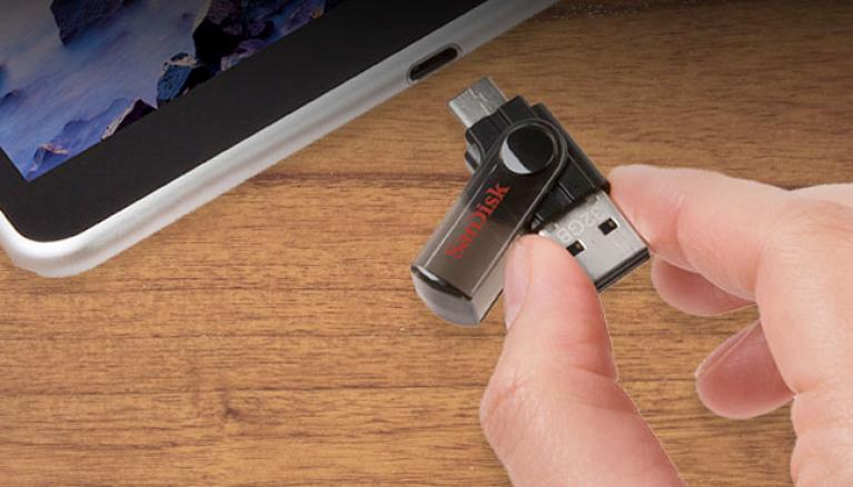 USB-Drive-With-C-Type-Connector