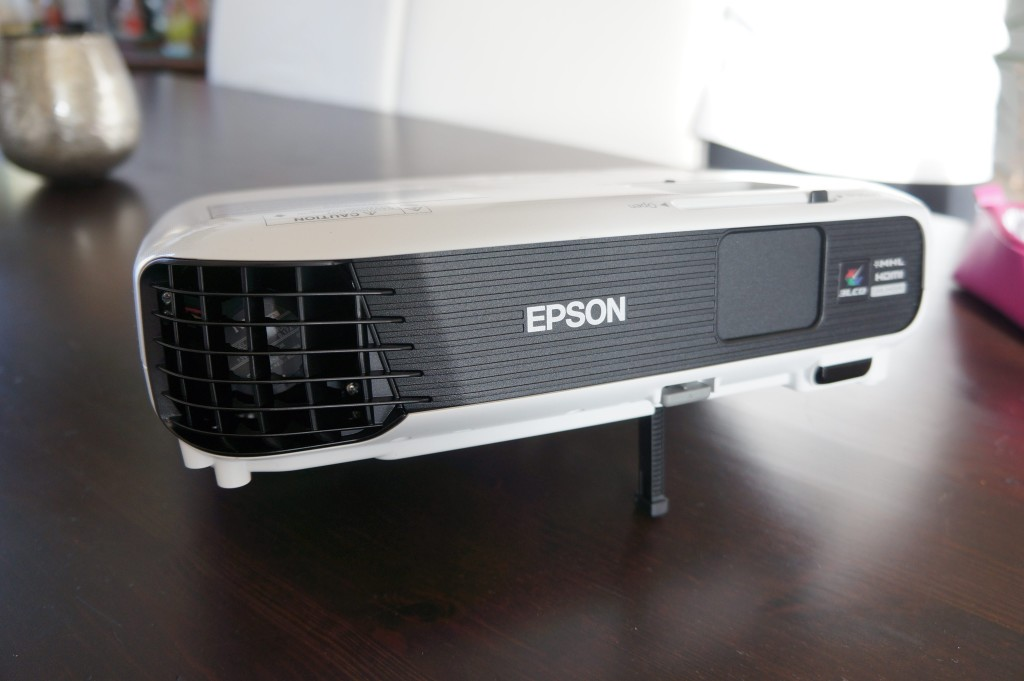 Epson EB U04
