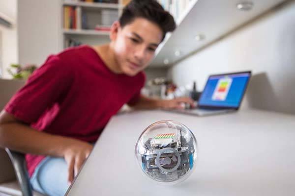 sphero_bolt_app_enabled_robotic_ball